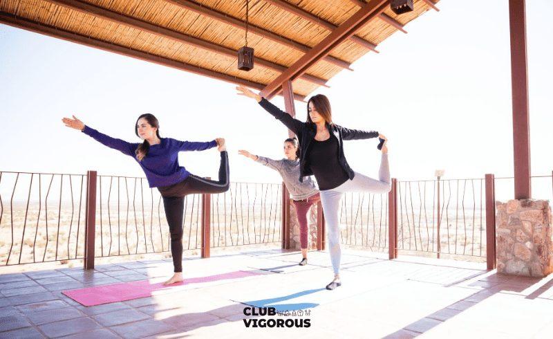 17-girl-yoga-king-dance-yoga-pose
