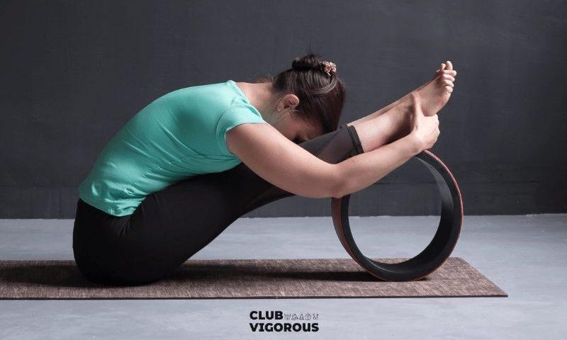 10-yoga-wheel-toe-pose