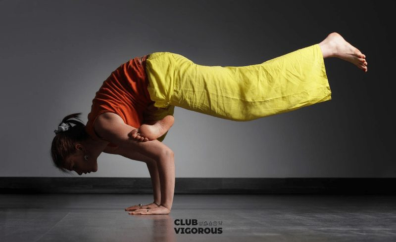 15-girl-yoga-Crow-yoga-pose-yoga-poses-for-digestion