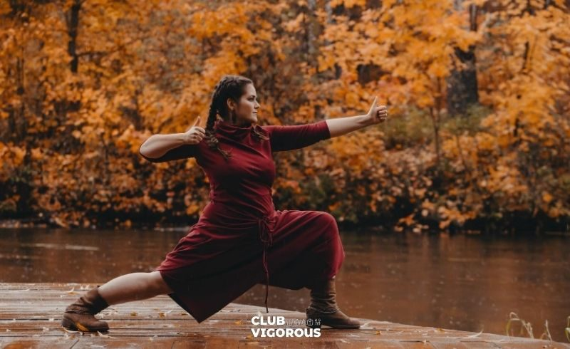 17-curvy-top-yoga-wear-what-to-wear-to-yoga-yoga-wear-woman