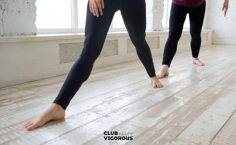 25-pencil-yoga-pants-top-yoga-wear-what-to-wear-to-yoga-yoga-wear-woman