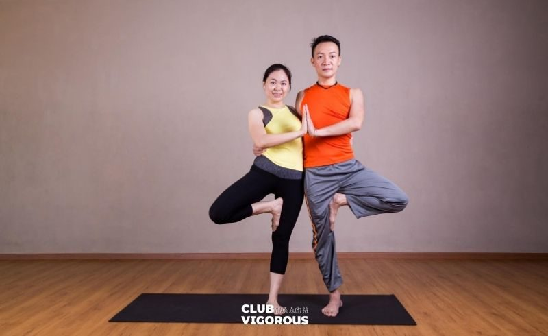 8-TREE-POSE-yoga-poses-2-people yoga-poses-easy